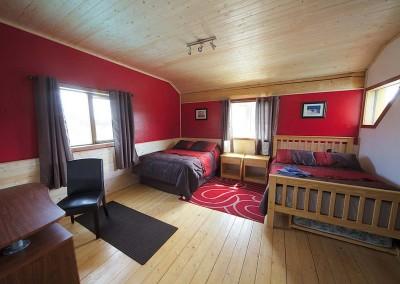 hershel-room-yukon-bed-and-breakfast-1200